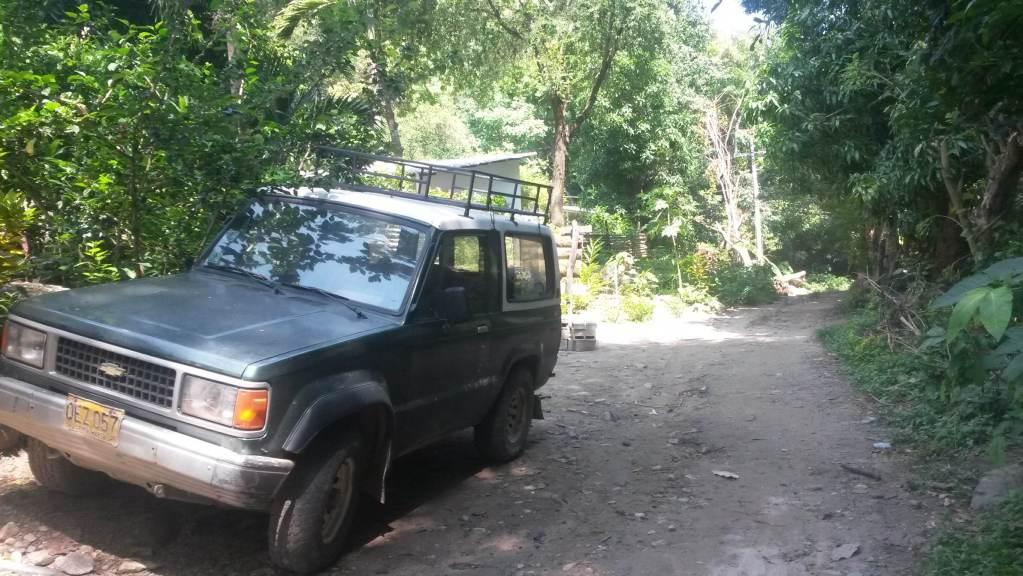 4x4 jeep outside finca carpe diem