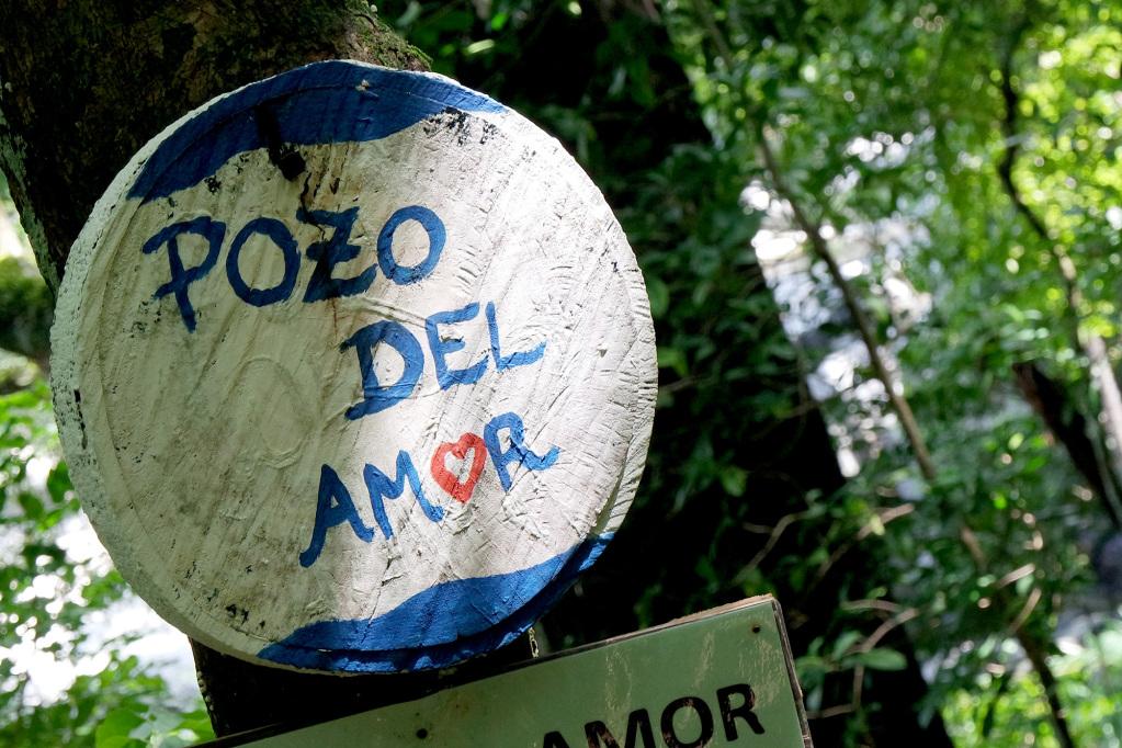 Pozo del Amor sign in Paso del Mango